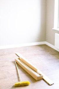 wood planks and floor brush 3616756 200x300