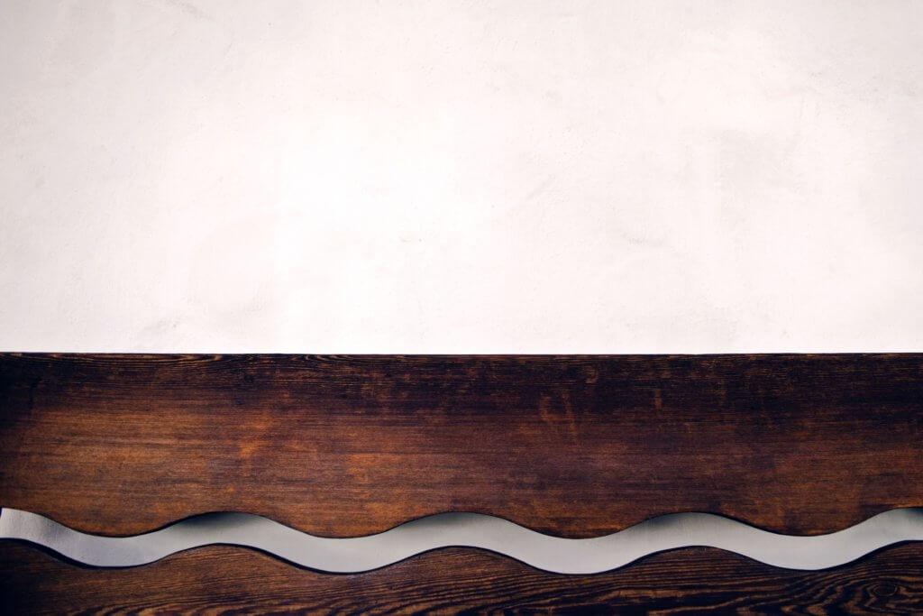 brown wooden wall shelf 942303 1024x683