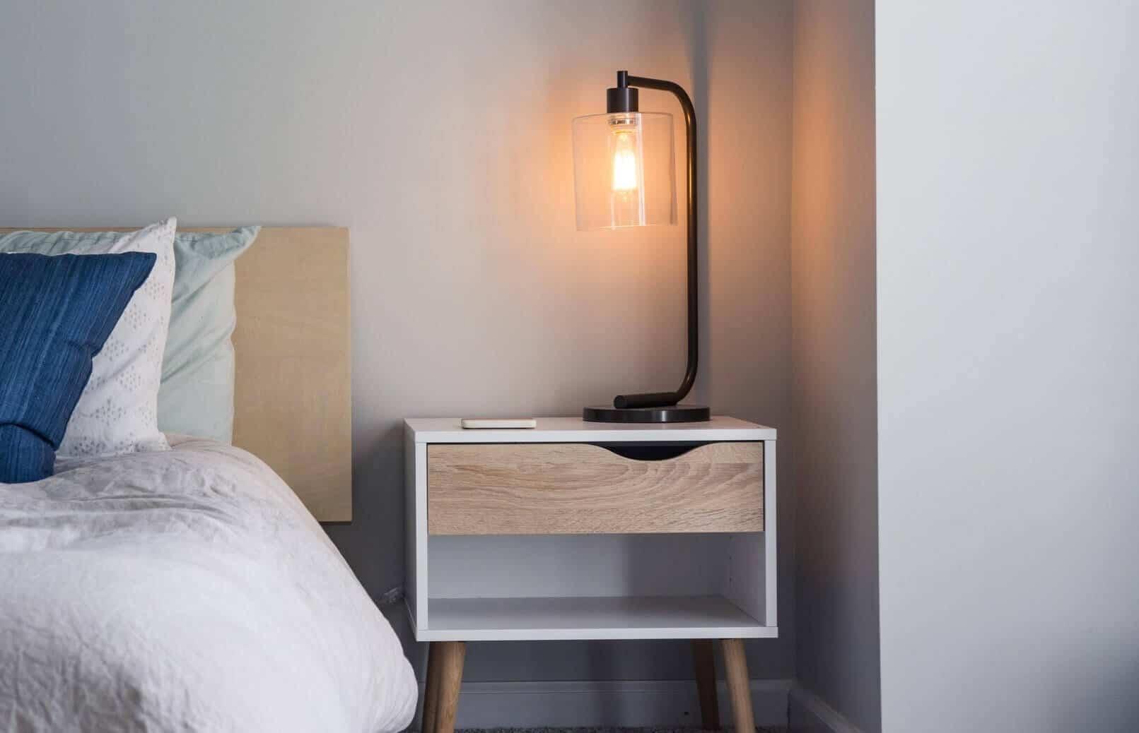 chill bedroom lighting
