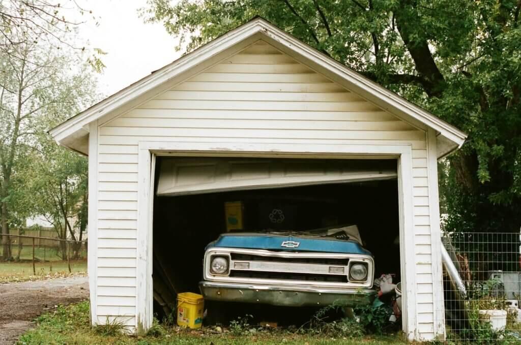 stuck garage door 1024x679