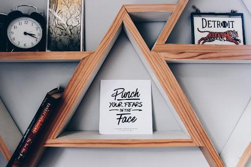 wall decor shelves